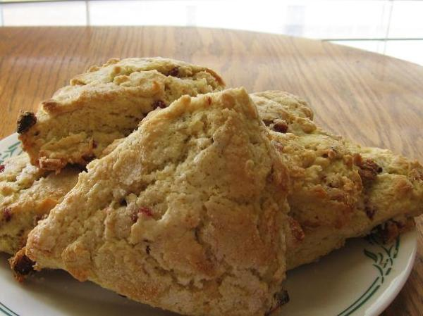 buttermilk-craisen-scones